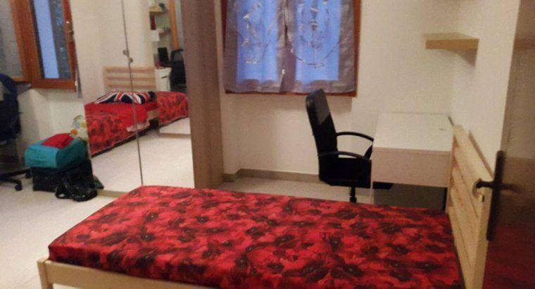 Due posti letto in camera doppia PER RAGAZZE
