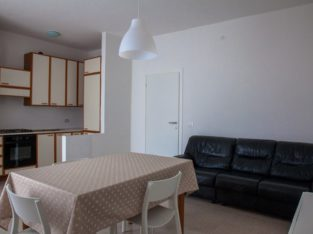 Affitto appartamento 1 singola, 2 doppie studenti