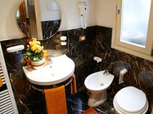 Camera singola zona Università con bagno privato