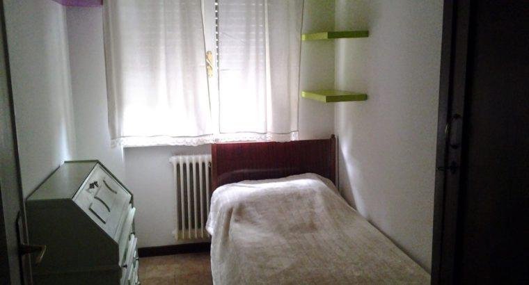 Cercasi 2 coinquilini/e per stanze singole