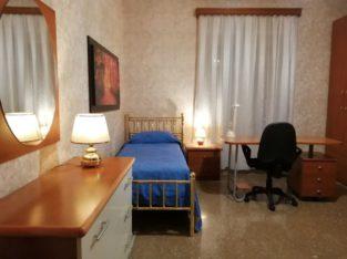 Grande stanza singola per studentessa