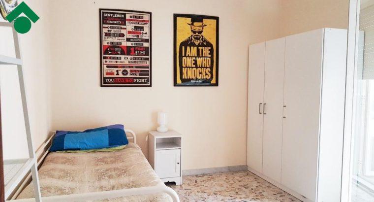 offfro stanza in appartamento condiviso