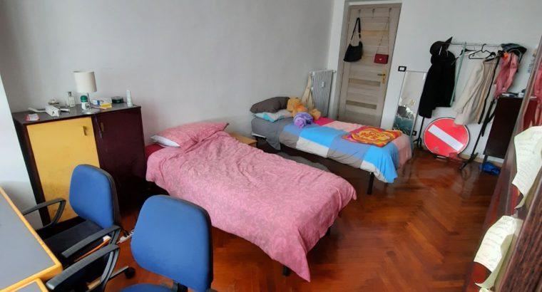 Affitto Camera singola e doppia di fronte economia Torino