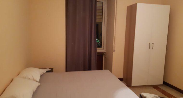 Piazza Ragusa ampia stanza di circa 20 mq