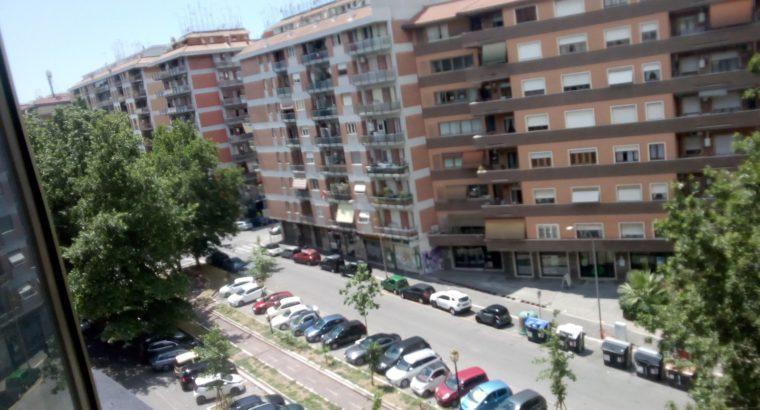 Metro Giulio Agricola stanze in affitto