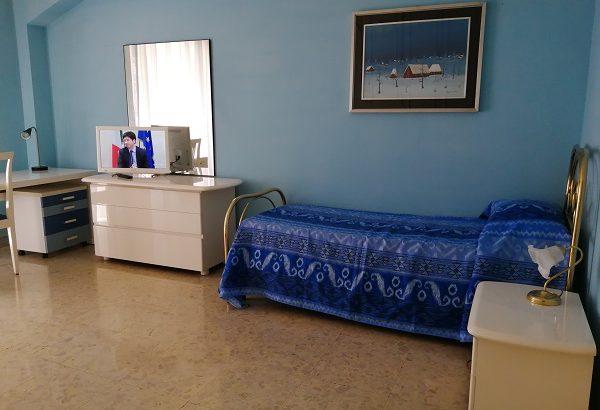 camera con balcone per non residente