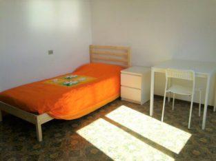 Brescia Appart. con tre camere singole per tre studentesse