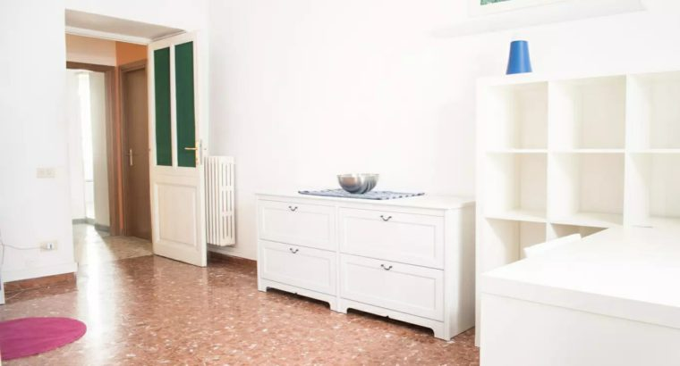 Large Room near LUISS Via Salaria – Rome