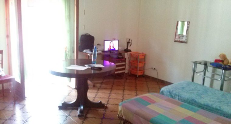 Stanza singola a Palermo per studentessa € 160/mese