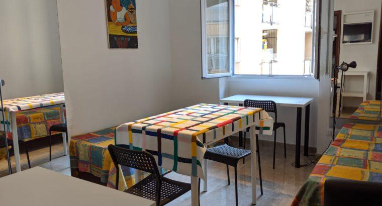 MONOLOCALE in centro a Milano,metropolitana Pasteur,IDEALE STUDENTI