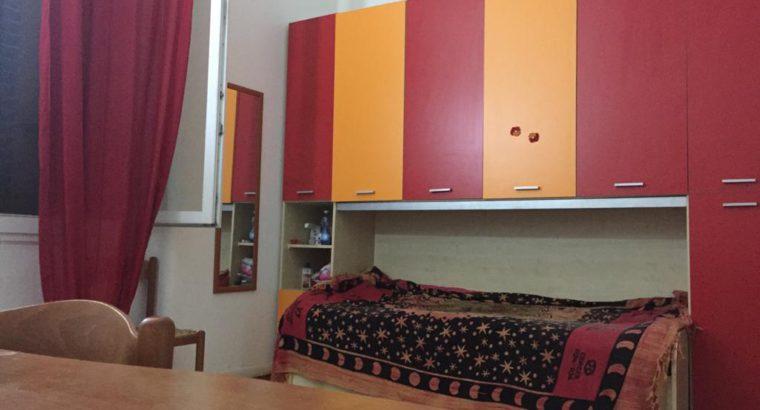 Cagliari affitto Ampia, luminosa camera singola, centrale