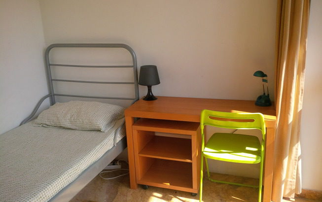 Rooms for rent in a lovely Student House