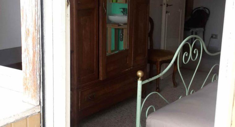Camera singola letto matrimoniale con bagno privato