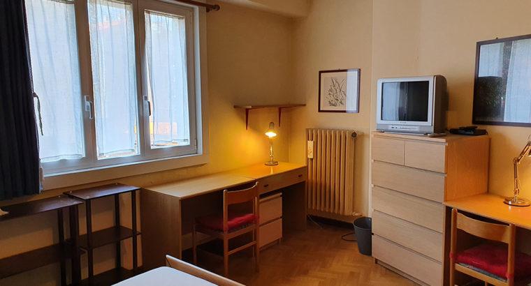 Camera doppia/singola x STUDENTESSE in via Piccardi