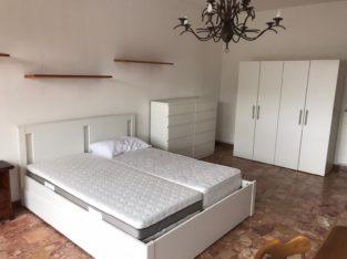 Stanza singola ampia e luminosa 20 mq con balcone zanzariere in via battelli 25 zona Pratale Pisa