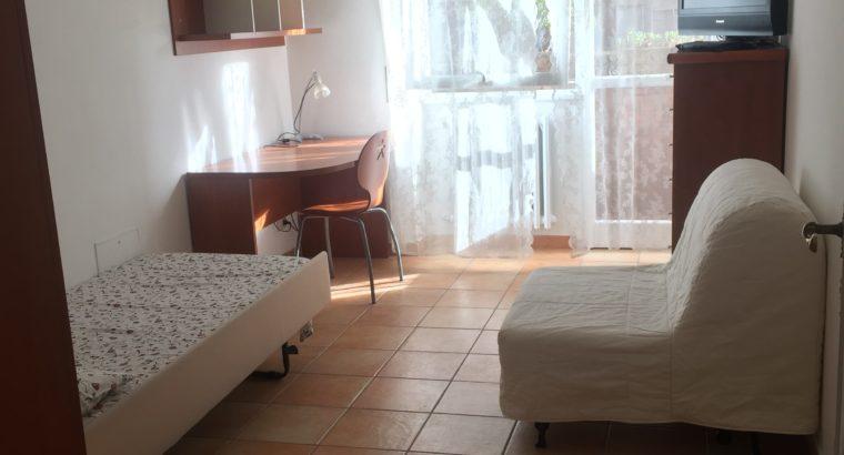 Affitto stanza ampia e luminosa zona Marconi/Monteverde € 420 spese incluse