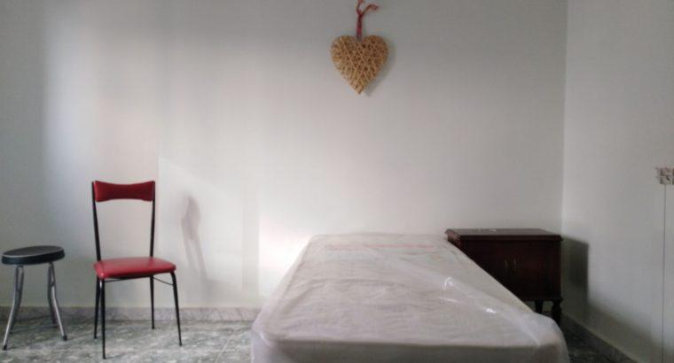Affittasi stanza a studentessa universitaria ad Aversa