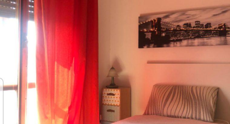 Camera singola con Bagno condiviso con altra stanza in Attico di 180 mq più veranda e terrazza