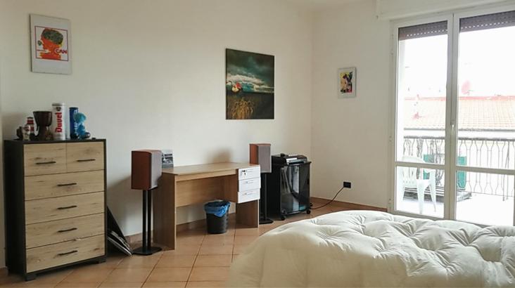 Livorno: Ampia Camera con terrazzo in pieno centro