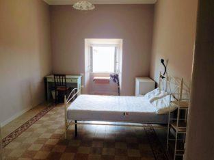 Bella stanza singola in app. studentesco centro Terni