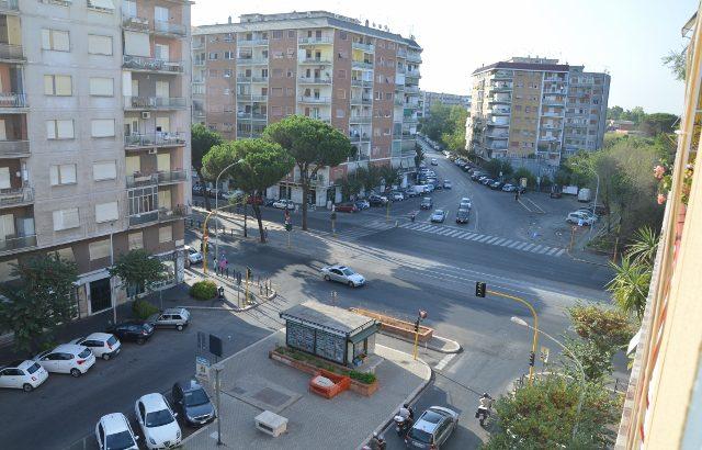 Casa molto bella collegatissima con l'università e il centro di Roma