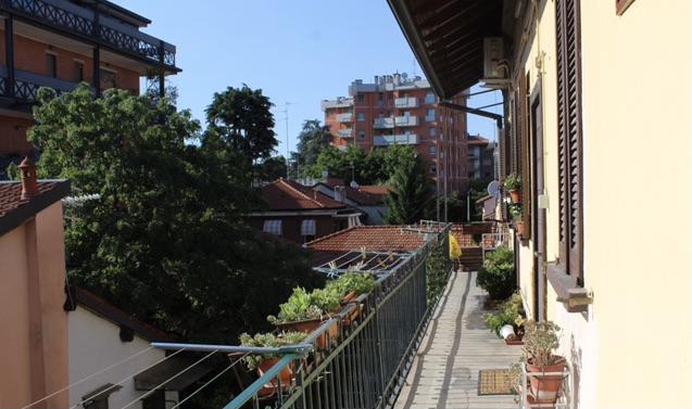 studentessa offre posto letto in affitto Milano