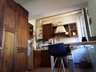 camera singola in affitto in colina