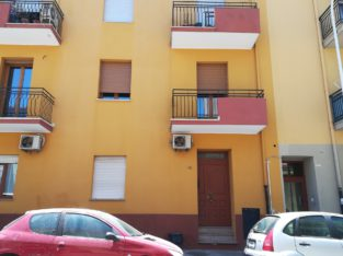 Grande camera singola per studenti universitari – Large single bedroom for university students