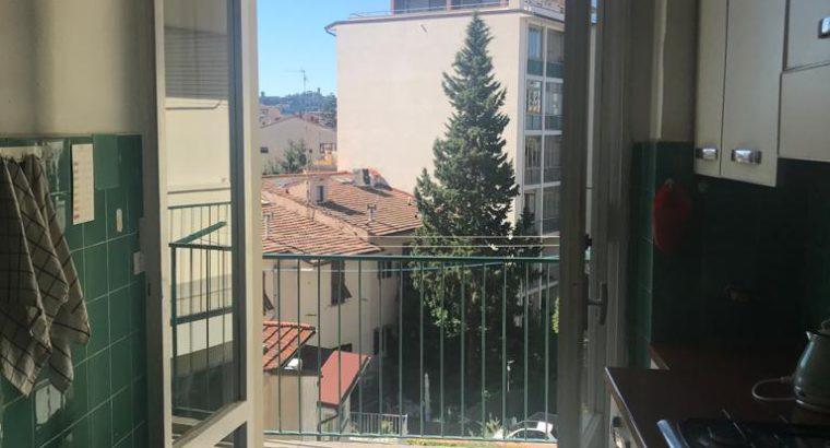 Camera doppia Firenze ad uso singolo in appartamento per studenti