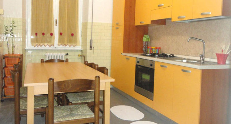 3 stanze zona Pilastro per studenti