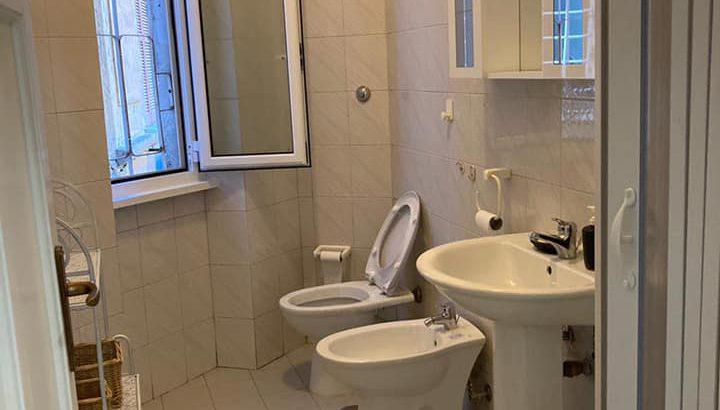Affitasi Roma appartamento tre posti letto