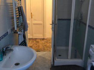 Disponiamo di Stanze a due passi da piazza Istria e dalla Luiss e dalla fermata metro B fermata Annibaliano. Disponibili quattro stanze in via Bisagno in appartamento composto da quattro stanze due bagni zona comune e cucina attrezzata. piu altre quattro stanze in appartamento con quattro camere cucina due bagni piu uso della terrazza. una stanza in apartamento con due stanze un bagno e ampia cucina. i prezzi vanno da un minimo € 420.00 a € 490.00 piu spese e l'annuncio è rivolto a sole ragazze. In via Nemorense quattro stanze per ragazzi o ragazze in appartamento con due bagni. Per info o visite 3519811020 3519809882.