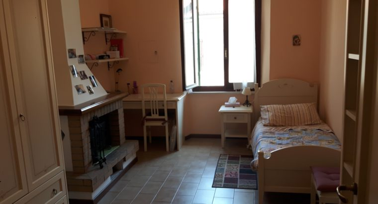 Singola a studentessa ad Ancona centro